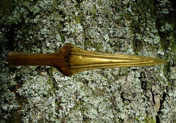 Dirk blade with haft